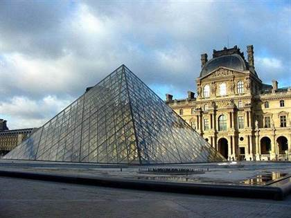 louvre_pyramide2