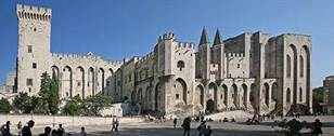 440px-Avignon_Palais_des_Papes_by_JM_Rosier